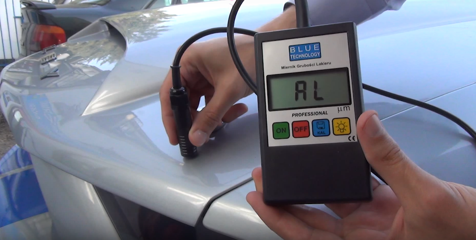 Paint coating thickness gauge find aluminium surfaces on the hood